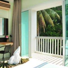 Отель AM Surin Place балкон