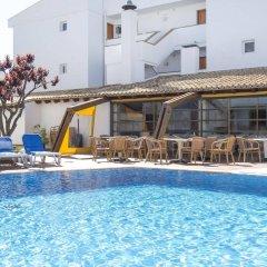 Отель Aparthotel Flora Испания, Полленса - 1 отзыв об отеле, цены и фото номеров - забронировать отель Aparthotel Flora онлайн бассейн фото 3