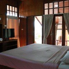 Отель Utopia Resort сейф в номере