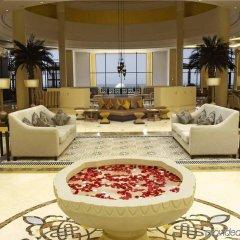 Отель Hilton Ras Al Khaimah Resort & Spa интерьер отеля фото 2