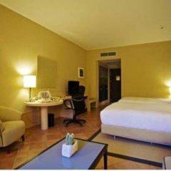 Отель Doubletree By Hilton Acaya Golf Resort Верноле сейф в номере