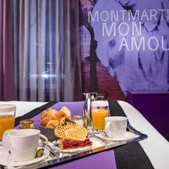 Hotel Montmartre Mon Amour в номере