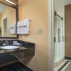 Отель Fairfield Inn & Suites by Marriott Frederick ванная