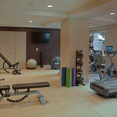 Отель Hilton Checkers фитнесс-зал