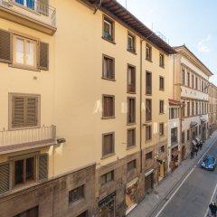 Апартаменты Michelangelo Apartment Near Pontevecchio вид на фасад