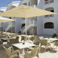 Отель Apartamentos Mar Blanca бассейн