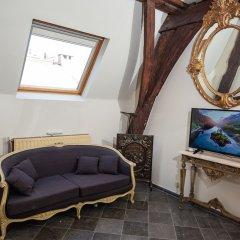 Отель Unique Apartment In Historic Mansion Бельгия, Антверпен - отзывы, цены и фото номеров - забронировать отель Unique Apartment In Historic Mansion онлайн интерьер отеля фото 2