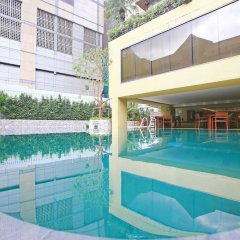Отель Siri Sathorn Hotel Таиланд, Бангкок - 1 отзыв об отеле, цены и фото номеров - забронировать отель Siri Sathorn Hotel онлайн бассейн фото 2