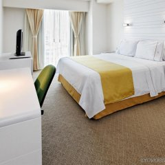 Отель Holiday Inn Express And Suites Mexico City At The Wtc Мехико комната для гостей