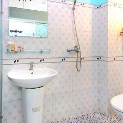 Отель Nha Lan Homestay Хойан ванная