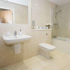 Апартаменты Charles Court Serviced Apartments ванная
