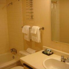 Отель Cassandra Hotel Канада, Ванкувер - отзывы, цены и фото номеров - забронировать отель Cassandra Hotel онлайн ванная фото 2