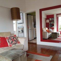Апартаменты Stylish Lisbon Apartment in Alfama комната для гостей фото 2