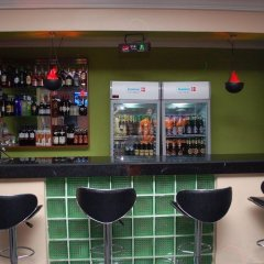 Millicent Hotel and Suites гостиничный бар