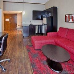 Отель Crowne Plaza Gatineau-Ottawa Канада, Гатино - отзывы, цены и фото номеров - забронировать отель Crowne Plaza Gatineau-Ottawa онлайн комната для гостей фото 4