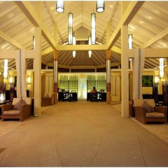 Отель Ellaidhoo Maldives by Cinnamon интерьер отеля фото 2