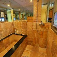 Film 37.2 Hotel ванная