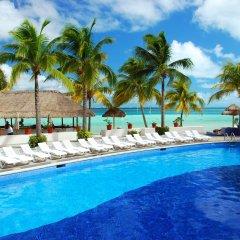 Отель Oasis Palm Hotel Мексика, Канкун - 9 отзывов об отеле, цены и фото номеров - забронировать отель Oasis Palm Hotel онлайн бассейн