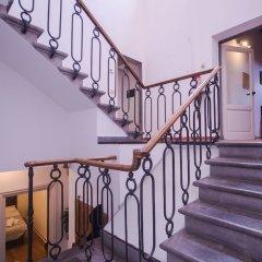 Отель Lovely 4BD Apt 3min Walk to Ponte Vecchio интерьер отеля