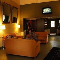 Отель Travelodge by Wyndham Ottawa East Канада, Оттава - отзывы, цены и фото номеров - забронировать отель Travelodge by Wyndham Ottawa East онлайн интерьер отеля фото 3