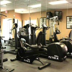 Отель Clarion Inn & Suites Clearwater фитнесс-зал фото 3