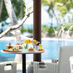Отель Taj Bentota Resort & Spa Шри-Ланка, Бентота - 2 отзыва об отеле, цены и фото номеров - забронировать отель Taj Bentota Resort & Spa онлайн бассейн фото 3