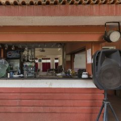 Отель GuestHouser 2 BHK Villa 268c Гоа гостиничный бар