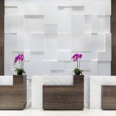 Отель Courtyard by Marriott Tianjin Hongqiao Китай, Тяньцзинь - отзывы, цены и фото номеров - забронировать отель Courtyard by Marriott Tianjin Hongqiao онлайн интерьер отеля