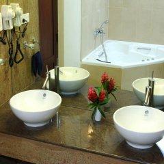 Hibiscus Beach Hotel & Villas ванная фото 2