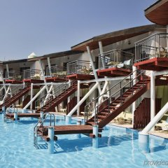 Отель Cornelia De Luxe Resort - All Inclusive бассейн