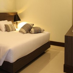 Отель Crystal Suites Suvarnabhumi Airport Бангкок комната для гостей