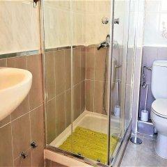 Отель MC YOLO Apartamento Teatro Price Испания, Мадрид - отзывы, цены и фото номеров - забронировать отель MC YOLO Apartamento Teatro Price онлайн ванная
