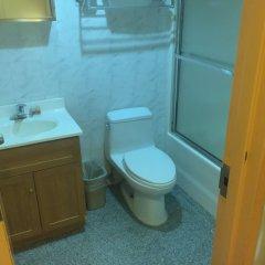 Отель Explore Hotel and Hostel США, Нью-Йорк - отзывы, цены и фото номеров - забронировать отель Explore Hotel and Hostel онлайн ванная фото 2