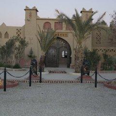 Отель Kasbah Mohayut Марокко, Мерзуга - отзывы, цены и фото номеров - забронировать отель Kasbah Mohayut онлайн парковка