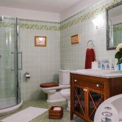 Гостиница Губернская в Шерегеше отзывы, цены и фото номеров - забронировать гостиницу Губернская онлайн Шерегеш ванная
