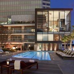 Отель Fairmont Pacific Rim Канада, Ванкувер - отзывы, цены и фото номеров - забронировать отель Fairmont Pacific Rim онлайн бассейн