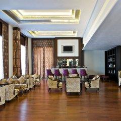 Отель Le Méridien Jaipur Resort & Spa интерьер отеля