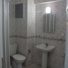 özge pansiyon Турция, Алтинкум - отзывы, цены и фото номеров - забронировать отель özge pansiyon онлайн ванная фото 2