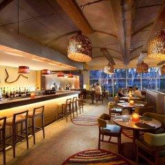 Desert Gardens Hotel гостиничный бар