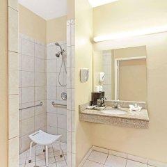 Отель Super 8 North Hollywood Лос-Анджелес ванная