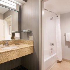 Отель Courtyard Milpitas Silicon Valley ванная фото 2