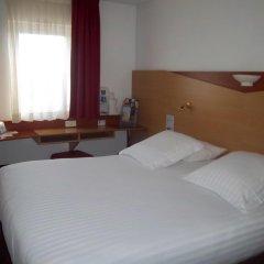 Отель Kyriad Cannes Mandelieu комната для гостей