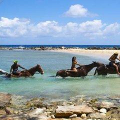 Отель Kelso Villa, 4BR by Jamaican Treasures пляж