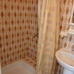 Гостиница ЛеЛюкс в Ольгинке отзывы, цены и фото номеров - забронировать гостиницу ЛеЛюкс онлайн Ольгинка ванная фото 2