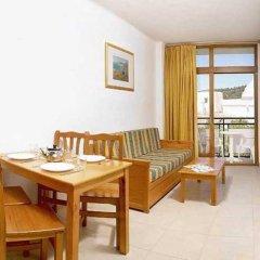 Отель Apartamentos Tramuntana балкон