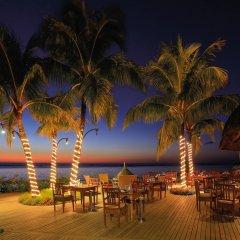 Отель Victoria Beachcomber Resort & Spa фото 2