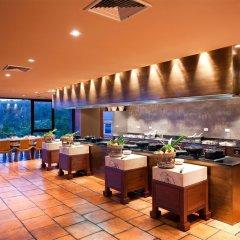 Отель Paresa Resort Пхукет гостиничный бар