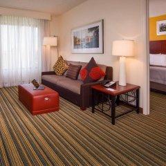 Отель Residence Inn Arlington Pentagon City комната для гостей