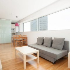 Отель Akira Flats Fira Gran Via Barcelona Оспиталет-де-Льобрегат комната для гостей фото 2