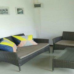 Отель Khung Wimarn Beach Home комната для гостей